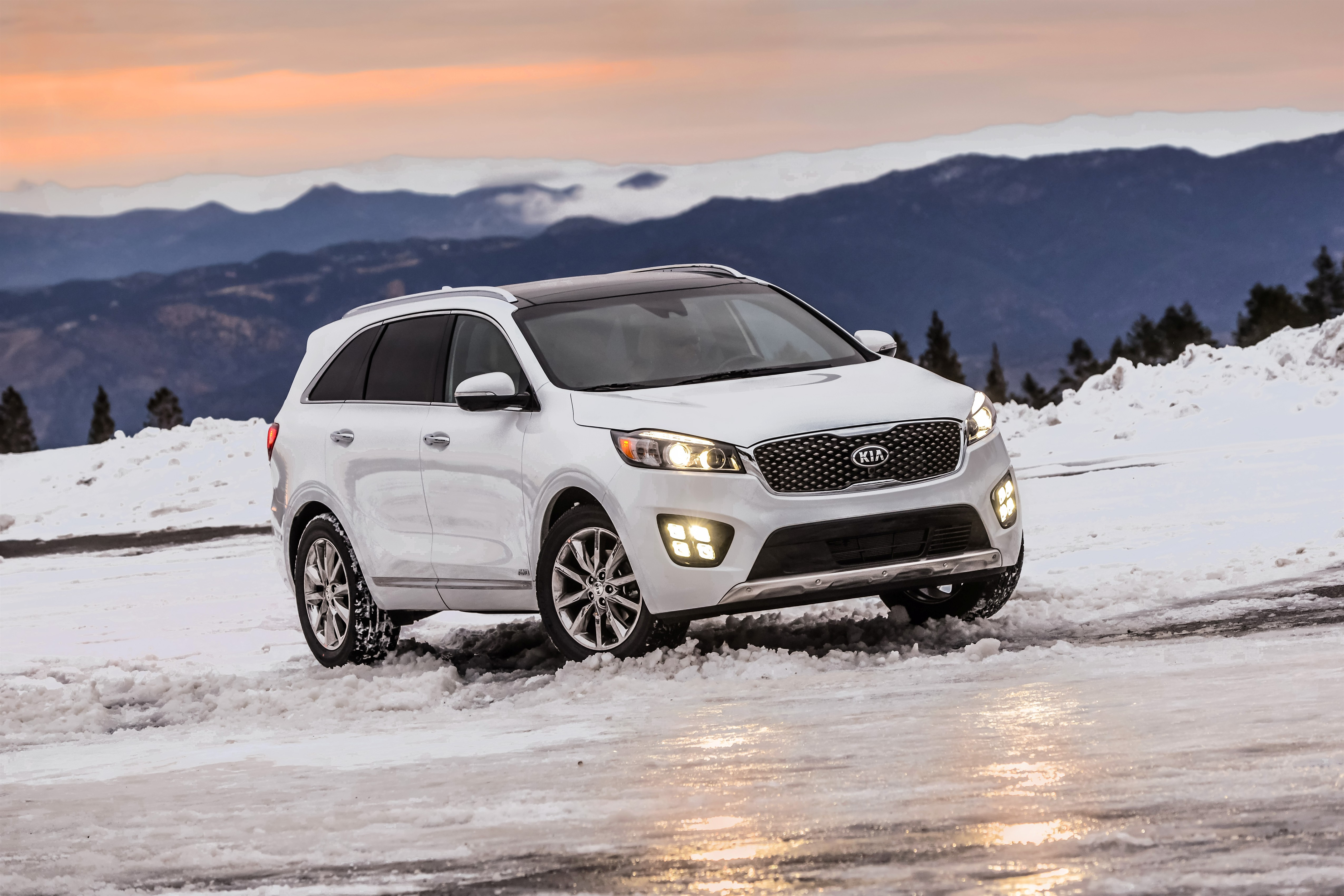 "KIA Sorento gana los premios ""CANADIAN CAR OF THE YEAR"" de AJAC"