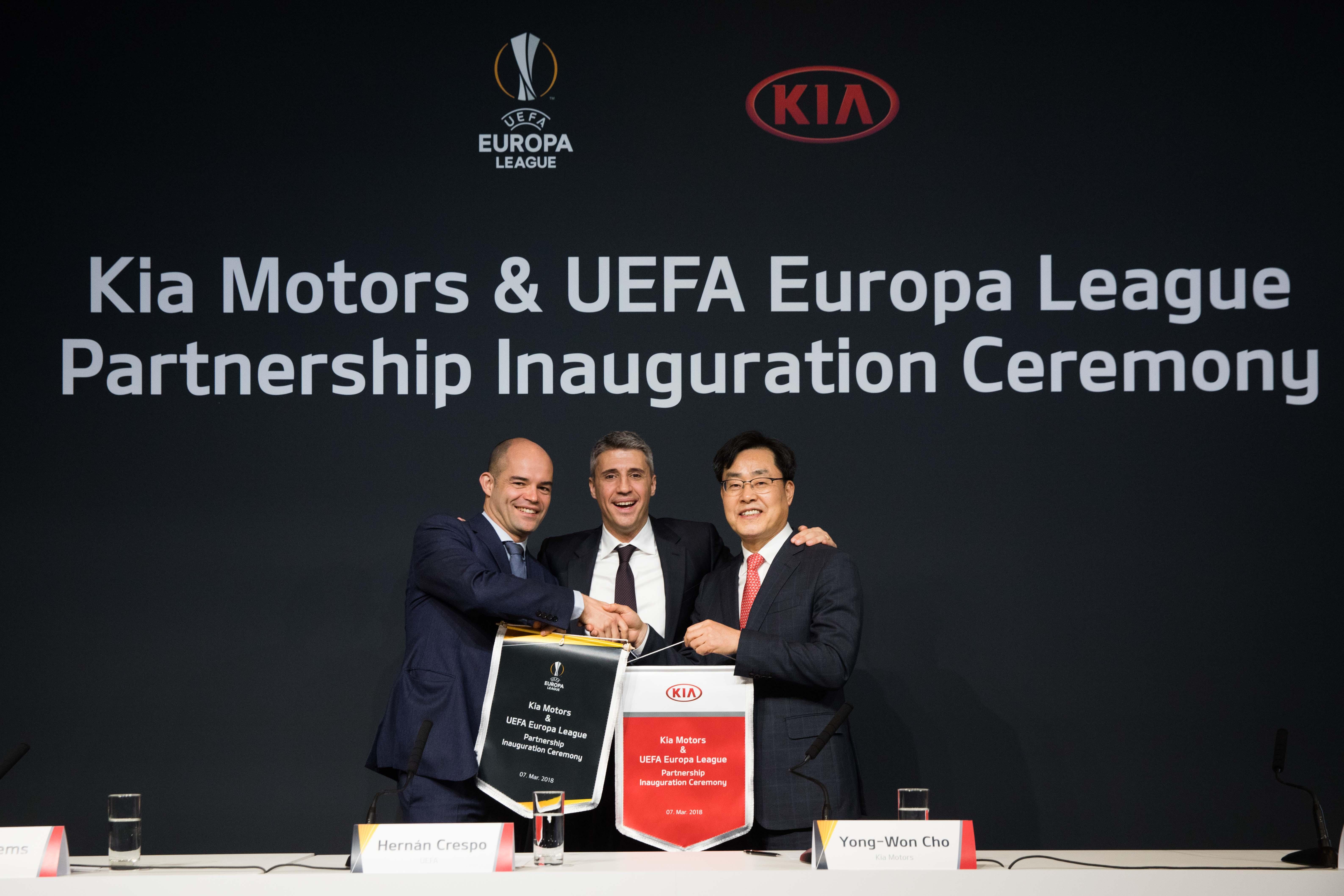 KIA CELEBRA NUEVO ACUERDO DE PATROCINIO DE LA UEFA EUROPA LEAGUE